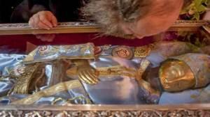 Άγιος Ιωάννης ο Ρώσος: Το Θαύμα με την αλλαγή των αμφίων του, η συνομιλία με τον άγιο Ιάκωβο Τσαλίκη