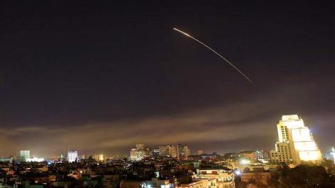 Τουλάχιστον 20 ιρανικοί πύραυλοι έπληξαν τα χαράματα ισραηλινές θέσεις στα Υψίπεδα του Γκολάν.
