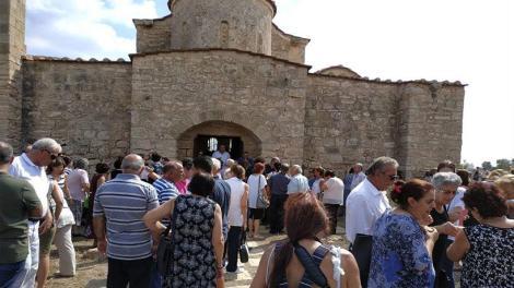 Κύπρος: Η πρώτη λειτουργία μετά από 42 χρόνια στην Παναγία Κανακαριά στα κατεχόμενα