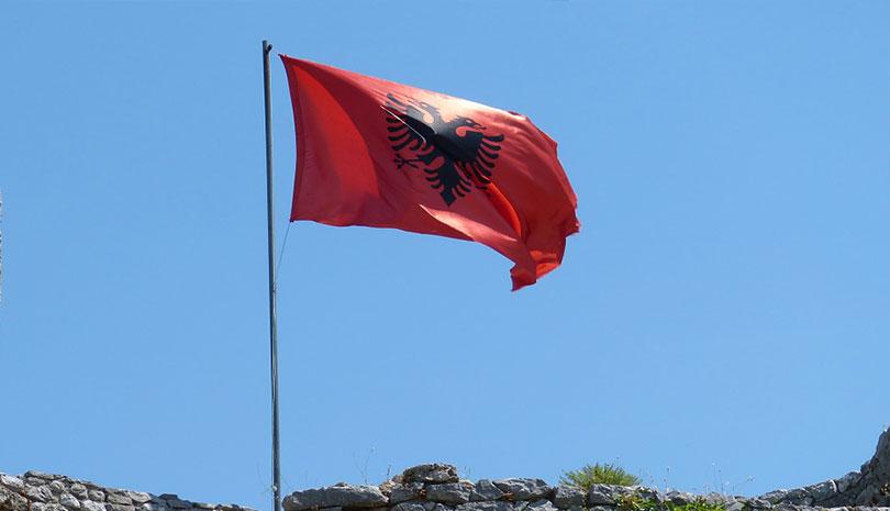 Αλβανία: Οξεία αντιπαράθεση κυβέρνησης-αντιπολίτευσης - Και οι δυο θεωρούν ότι είναι... νικητές