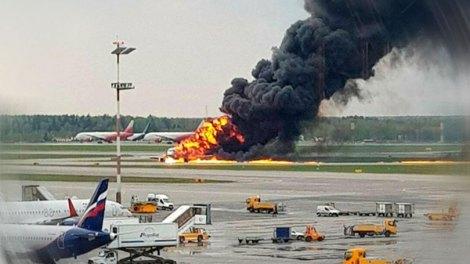 Μόσχα: Φονική πυρκαγιά σε αεροσκάφος - 41 οι νεκροί
