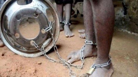Κόσμος | 300 παιδιά με αλυσίδες σε ισλαμικό σχολείο στη Νιγηρία