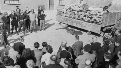 Κόσμος | Πολιτικό σκάνδαλο στην Ιταλία για το ζήτημα προβολής θυμάτων στα ναζιστικά στρατόπεδα