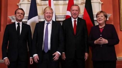 Κόσμος | Βιβλία με την «ισχυρή Τουρκία» μοίραζε ο Ερντογάν στους ηγέτες στο ΝΑΤΟ