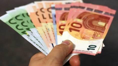 Ελλάδα | Κοινωνικό μέρισμα 700 ευρώ ανά νοικοκυριό προς 953.000 δικαιούχους