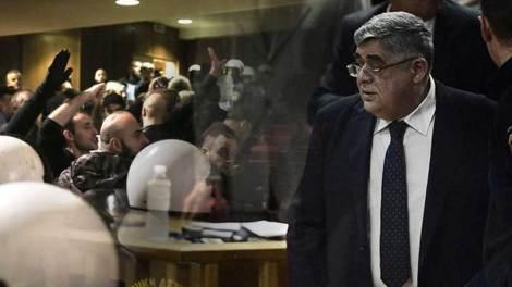 Ελλάδα | Την απαλλαγή όλων των στελεχών της Χρυσής Αυγής πρότεινε η εισαγγελέας
