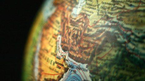 Κόσμος | Αποκλιμάκωση της έντασης με το Ιράν επιχειρεί ο Τραμπ