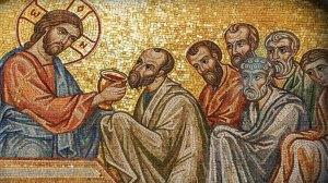 """Κορωνοϊός και Θεία Κοινωνία: Κάποιοι """"ειδικοί"""" λένε να αποφεύγουμε τη Θεία Κοινωνία"""