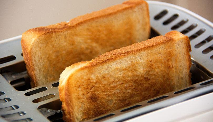 Οι φρυγανιές ή το ψωμί έχουν λιγότερες θερμίδες;