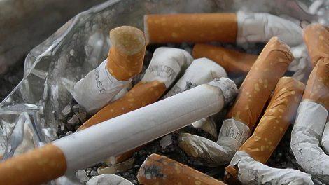 Ο Άγιος Παΐσιος για το κάπνισμα: «Κάνε κι εσύ μια θυσία, του είπα, για την υγεία του παιδιού σου»