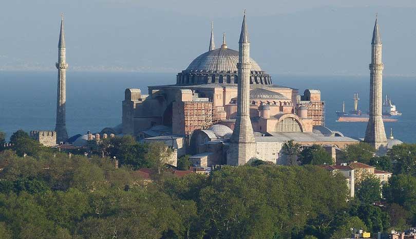 Τουρκία : Ταλιμπάν με λάβαρα μέσα στην Αγία Σοφία