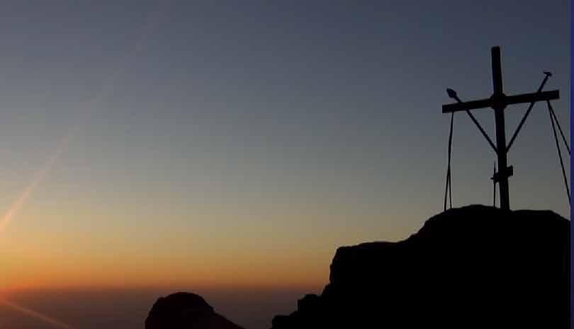 Άγιον Όρος : Στην κορυφή του Άθωνα για την αγρυπνία της Μεταμορφώσεως του Σωτήρος