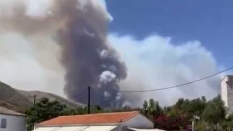Μεγάλη πυρκαγιά στη Μάνη