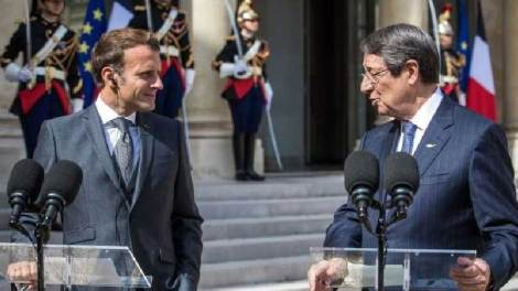 Η Αθήνα σφυρίζει αδιάφορα ενώ Κύπρος & Γαλλία μιλούν για κυρώσεις στην Τουρκία