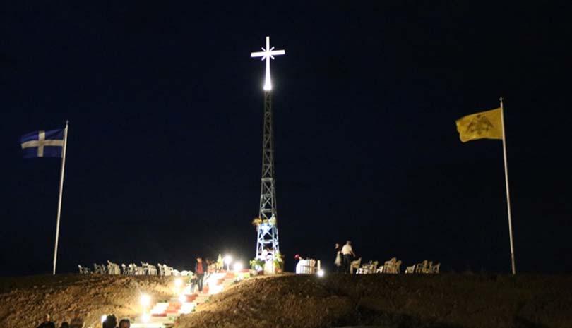 Παράπονα στη Μέρκελ θα κάνει ο Ερντογάν για το γιγαντιαίο σταυρό στα σύνορα του Έβρου