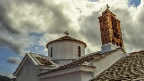 Κλειστές εκκλησίες σε Αχαΐα και Εύβοια