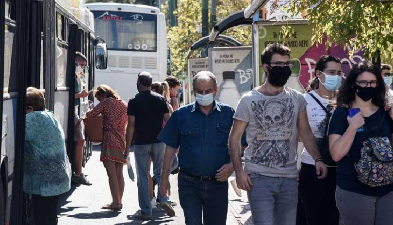 Μάσκες παντού και απαγόρευση κυκλοφορίας στις επιβαρυμένες περιοχές