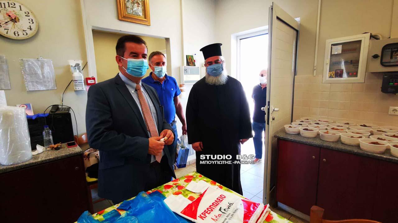 Ναύπλιο: Υγειονομικό υλικό παρέδωσε ο Αντιπεριφερειάρχης Αργολίδας στο Συσσίτιο Ευαγγελίστριας | Ελλάδα | Ορθοδοξία | orthodoxia.online | Ναύπλιο | Αντιπεριφερειάρχης Αργολίδας | Ελλάδα | Ορθοδοξία | orthodoxia.online
