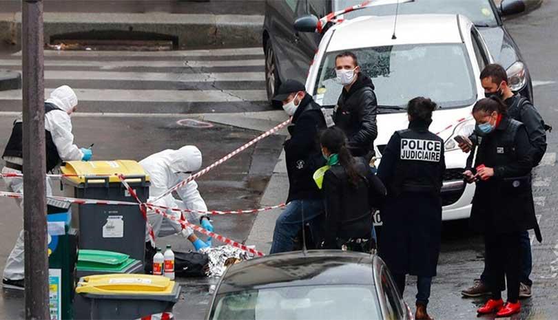Παρίσι: Ένοπλος που φώναζε «Αλλάχου Ακμπάρ» σκότωσε πολίτη στο δρόμο