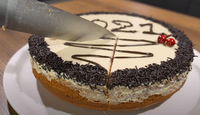 Η καλύτερη κέικ Βασιλόπιτα για το 2021