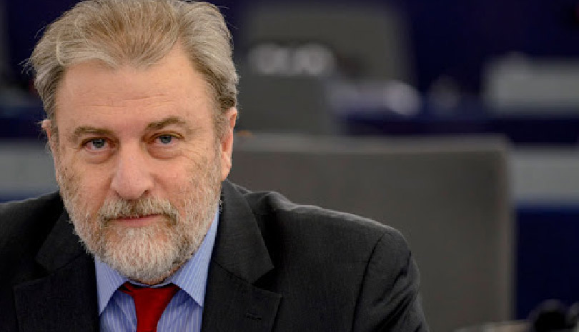 Στην Ευρωβουλή τα σκανδαλώδη προνόμια της AstraZeneca