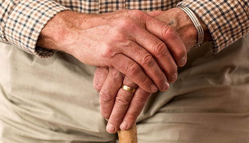Προσωρινή σύνταξη 384 ευρώ στους άνω των 62 ετών