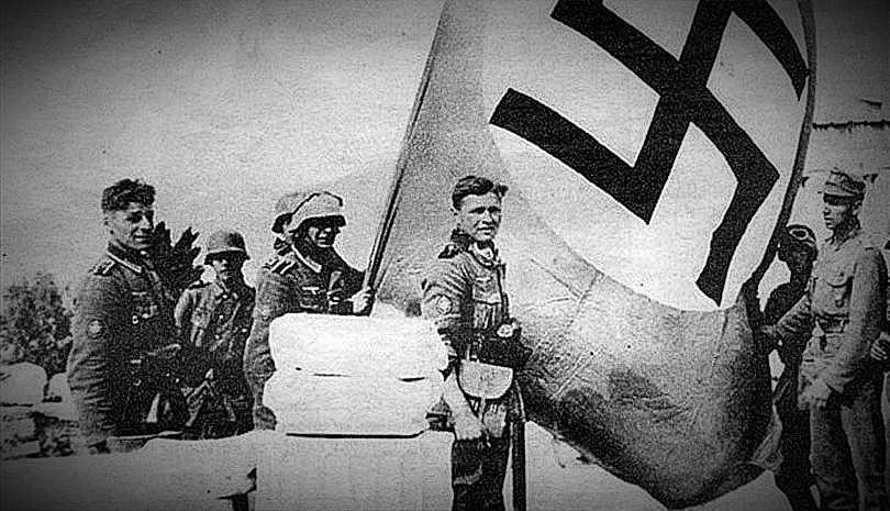 """Μουσολίνι: """"Ο Χίτλερ πήρε από τους Έλληνες ακόμα και τα κορδόνια τους"""""""