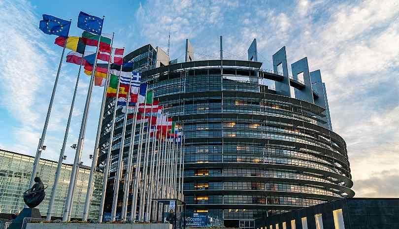 Το Ευρωκοινοβούλιο ενέκρινε το ευρωπαϊκό ψηφιακό πιστοποιητικό COVID