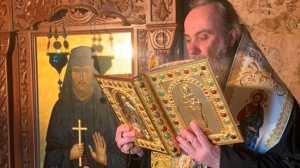 Συνεχείς οι Ιερές Παρακλήσεις στον Όσιο Νικηφόρο τον Λεπρό