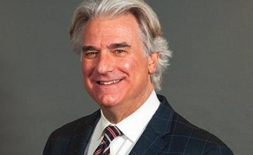 Photo of Noted Spine Surgeon Dr. John Peloza to Return to The Steadman Clinic