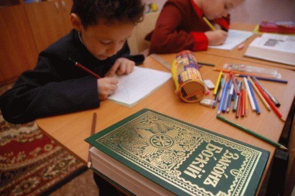 religioznye_organizatsii_v_novosibirske_pomogut_v_razrabotke_shkolnogo_predmeta_thumb_fed_photo