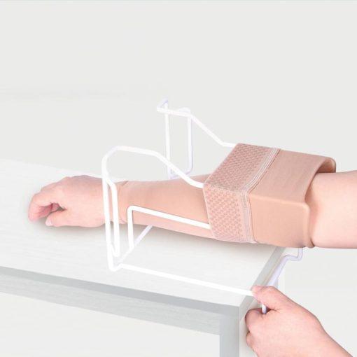 Приспособление для надевания компрессионного рукава ID-04