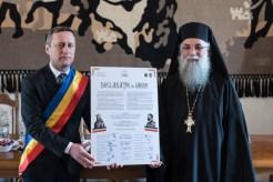 Act-simbolic-la-Mănăstirea-Putna-A-fost-semnată-o-Declarație-de-Unire-cu-Basarabia-FOTO-VIDEO-1 (1)