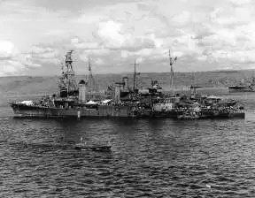 Opravka američke krstarice Pensacola nakon završetka bitke