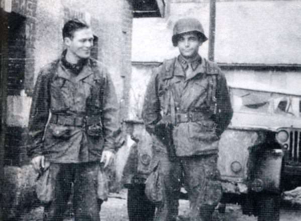 Čuveni dvojac čete E - poručnik Ričard Dik Vinters i poručnik Luis Nikson u Kerentanu