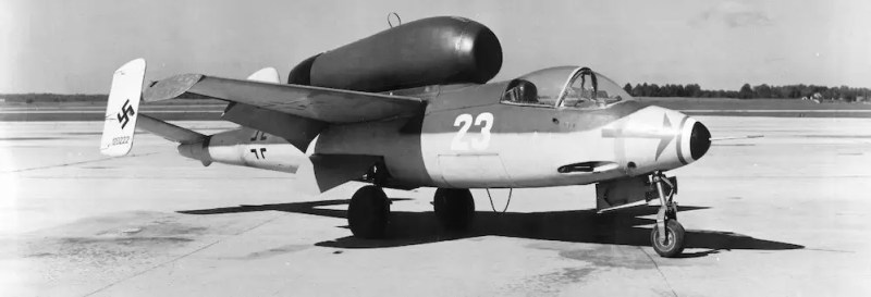 Trup aviona napravljen je uglavnom od aluminijuma, dok su krila i repni stabilizator napravljeni uglavnom od drveta.