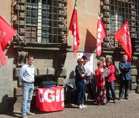 1 maggio:  festa dei lavoratori all'insegna dell'incertezza. Per uscire dalla crisi bisogna recuperare la solidarietà collettiva