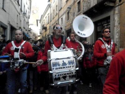 Corsa alla chiusura dei contratti di sponsorizzazione per Umbria jazz winter