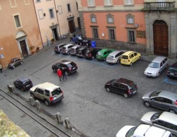 Piazza del Popolo, parcheggi sì o no?