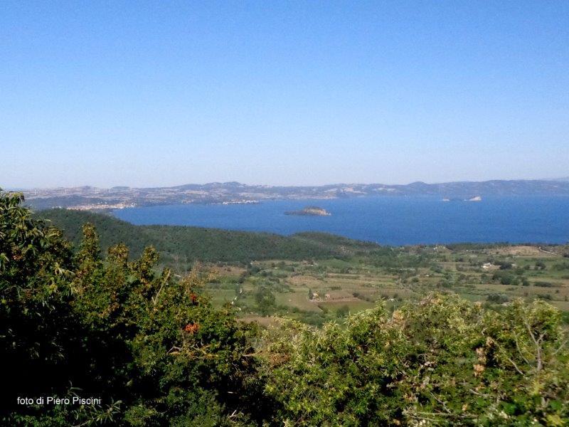 Presentazione del contratto del Lago di Bolsena, fiume Marta e costa tirrenica di Tarquinia