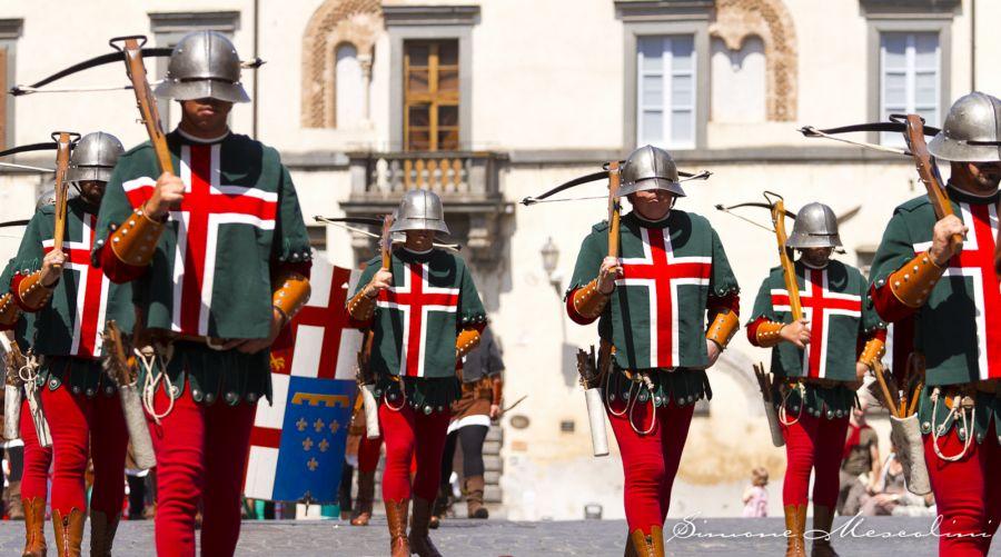 Oggi è il giorno del Corpus Domini, festa a Orvieto. Il Corsica batte l'Olmo alla Staffetta dei Quartieri