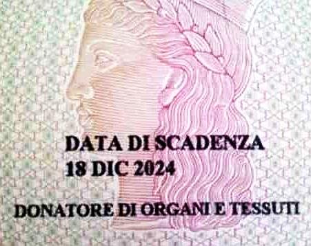 La volontà di donare organi e tessuti si dichiara nella propria Carta d'Identità