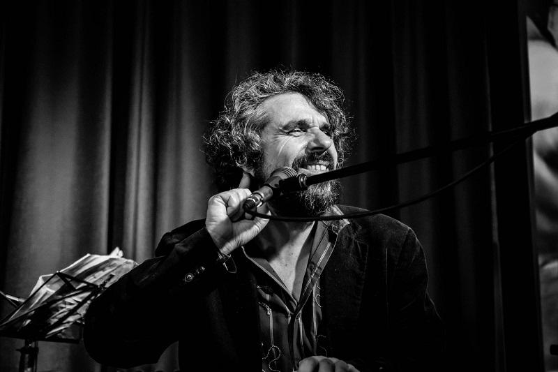 Mario Donatone in concerto alla Penisola per la festa delle donne