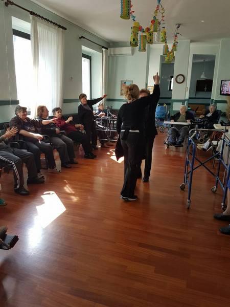 Corso di attività motoria per gli anziani della casa di riposo vincenziana di Baschi