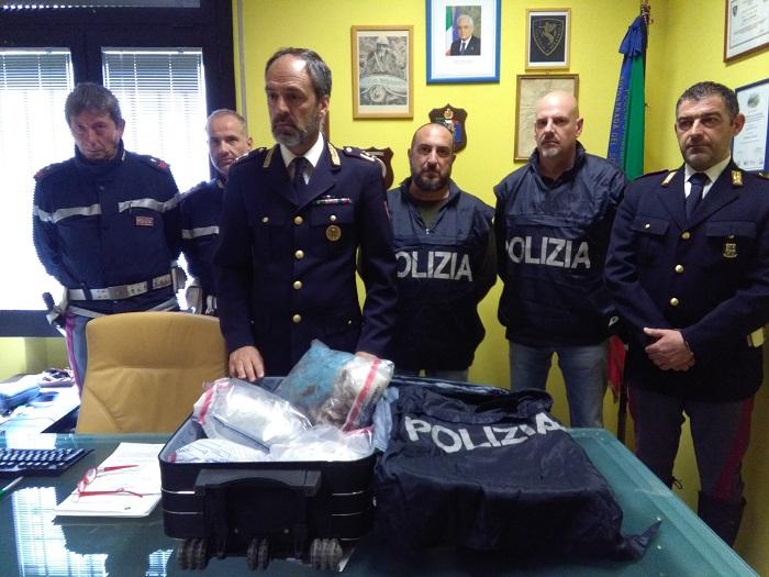 Droga all'aroma di caffè, arrestato 34enne che viaggiava su pullman diretto a Stoccarda