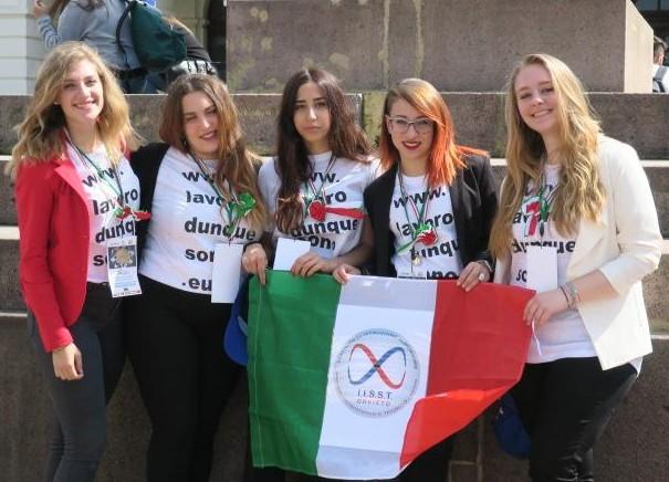 """I ragazzi del Majorana portano a casa il Primo Premio: """"Lavorare per l'Europa: diritto al futuro"""""""