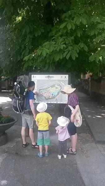 Nuova segnaletica pedonale, installate le mappe per aiutare i turisti a scoprire la città