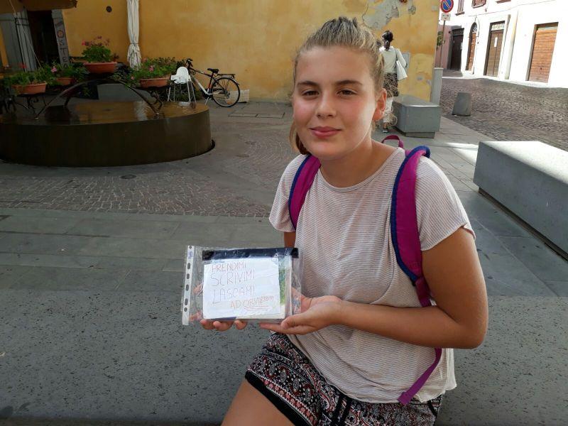 Dalla bottiglia al blog per ritornare a lasciare traccia sulla carta. In giro per Orvieto c'è il diario itinerante di Claudia
