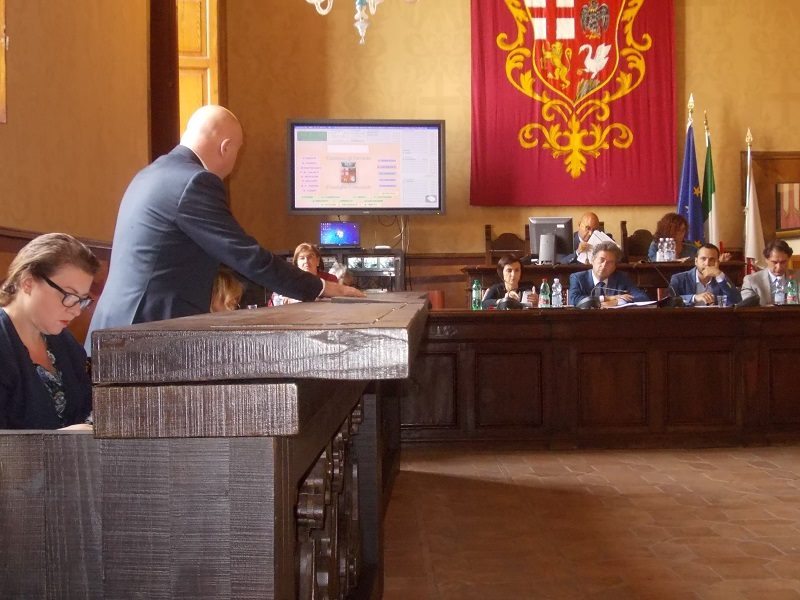 Consiglio comunale, nuova seduta il 3 ottobre. Tredici i punti all'ordine del giorno, si parla anche di bilancio