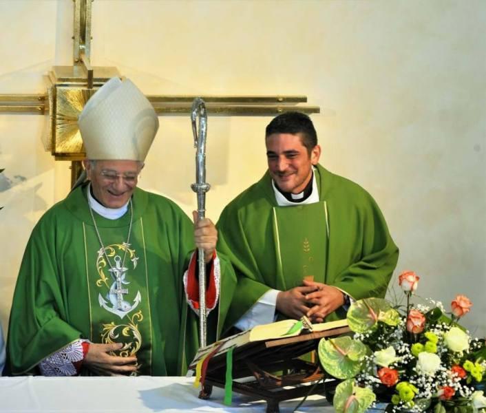 Allerona, don Eugenio Campini piace alla comunità. La chiesa diventa fulcro della vita sociale e religiosa del paese